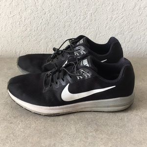 Men Nike ZOOM STRUCTURE 21 Running shoes size 12
